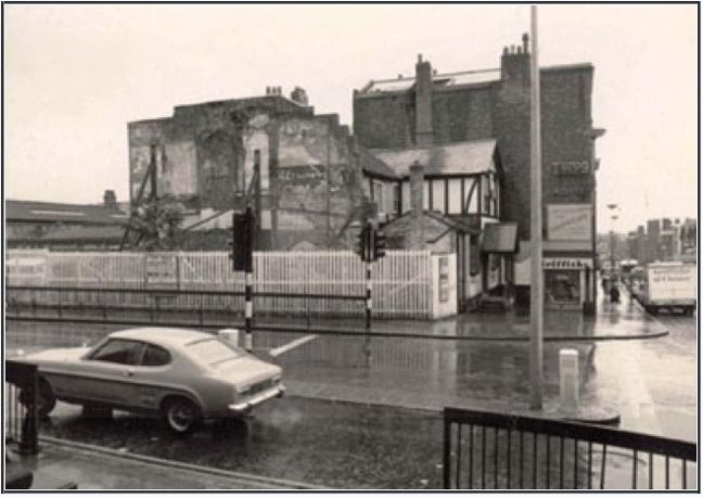 red lion 1972