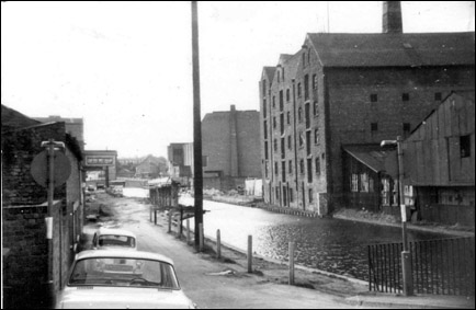 mill hotel and canal